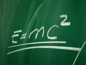 ie Formel an der kein Physiker vorbeikommt. Einsteins Relativitätstheorie